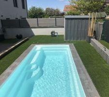 Finition piscine et abord  On attend plus que la chaleur et le soleil