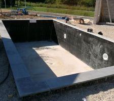 Pose des margelles granite