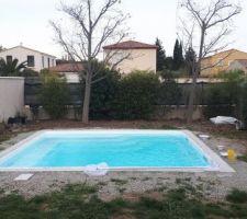 Après quelques heures, la piscine est finalement remplie !