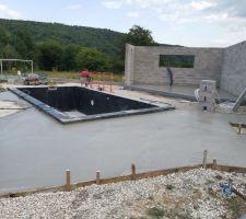 Dalle pour terrasse granite plus à droite réservation pour douche