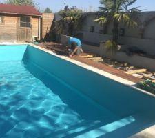 Finalisation du revêtement, Mise en eau, et réalisation des plages