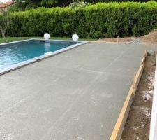 Création d'une terrasse béton avec pieux, coullage de la dalle