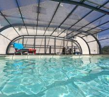 Voici ma piscine après la pose de mon nouvel abri rideau...