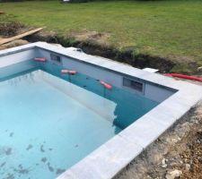 Remplissage piscine avant pose des lames du volet immergé