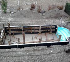 Mise en place étayage en vue du remblaiement en béton