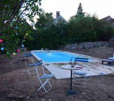1er été avec la piscine, mais sans le gazon et franchement dur dur ! surtout avec le vent