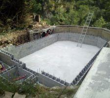 Le montage des murs peut maintenant recommencer.