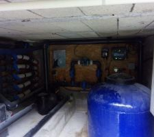 Petit test de fonctionnement du système de filtration. Pas besoin d'attendre la fin du remplissage; l'apiration se fait par la buse de fond.