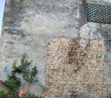Premiere étape avant meme le traçage : décrépir et enduire les murs peripherique