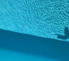 Plis liner fond de la piscine