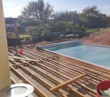 Préparation terrasse en lambourdes exotiques et lames en composite plein