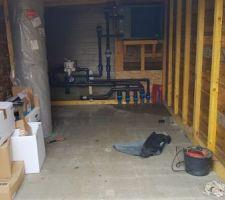 Réalisation du local technique dans un garage proche de la piscine