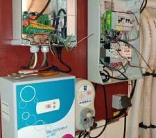 Tableau électrique en cours de réparation après le