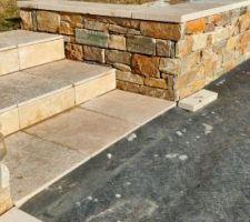 Muret en pierre de parement