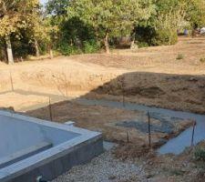 Les fondations sont coulées pour le Pool House