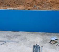 Approvisionnement des panneaux et commencement du montage de la structure