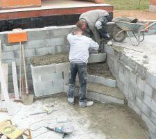 Construction du banc et des marches