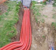 Pose des tuyau souples. 7 tubes 63mm gainés en fourreau de 90