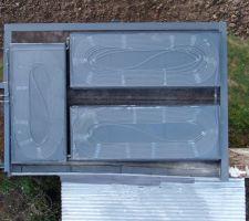 3 panneaux terminés et installés sur le toit. vitrage feuilleté, isolation polyuréthane et cadre aluminium