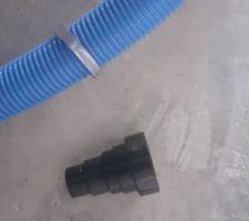Gouttes entre le tuyau et le raccord après serrage du collier
