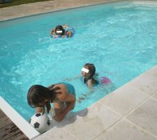 Premières baignades de 2011 :)