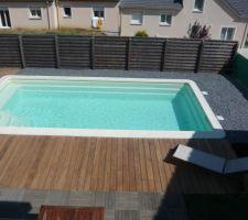 Terrasse Cumaru classe 4 côté lisse (20m²) Aménagement Ardoise (2T)