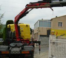 Le camion passe juste! il reste 5cm de chaque cote !!!!!!