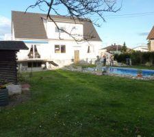 Photo de la maison depuis le jardin lors de la première visite en novembre 2010