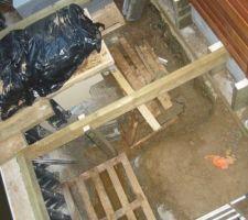 Le systeme de poutre qui vas maintenir la terrasse margelle en bois