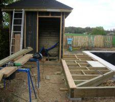 Pose des lambourdes pour la terrasse