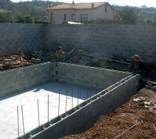 9 mars 2012 : montage des agglos des murs