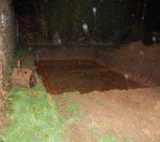 8H plus tard..le trou est déjà fait et la pluie commence