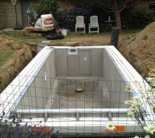 Jour 5, on attend une livraison de béton pour finir la dalle et pour l'extérieur et l'intérieur de la structure