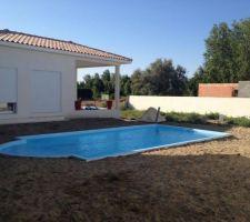 Notre piscine avant le béton autour