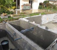Gobetis local technique bassin tampon et début piscine