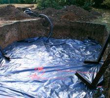 Pose du tuyau pour la bonde de fond (sans supplément)