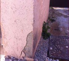 Enduit de mon mur de cloture arraché par le camion du terrassier