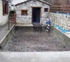Espace de mon ancienne piscine bois qui à éclaté (au bout de 4 ans , le top)