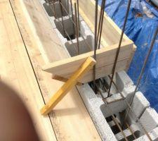 Détail du déversoir à beton