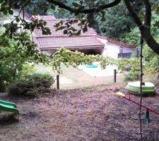 Vue de l'emplacement piscine depuis le bois