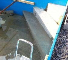 Finition escalier angle